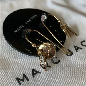 MARC JACOBS earrings gold tone